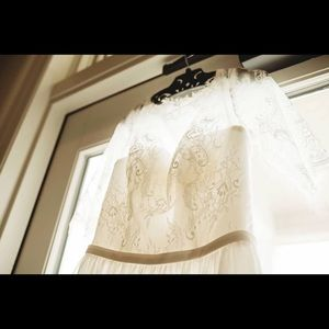 Dresses & Skirts - Wedding dress open back lace arms and neck